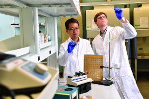 Hai-Quan Mao and Russell Martin, PhD '15